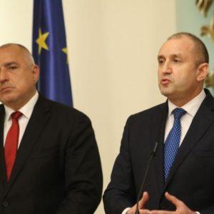 Борисов: Не си пазя СМС-ите, Радев: Публикувайте пълния чат