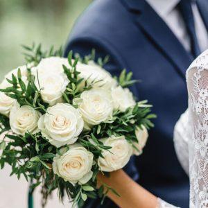 В Сливен забраняват сватбите, предлагат дистанционно обучение