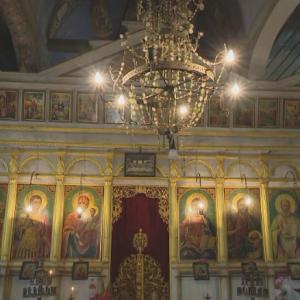 Доброволец реставрира стар храм в с. Ичера