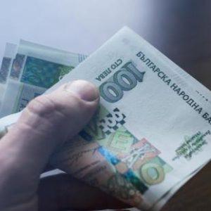 Държавата ще плаща заплати във фирми от всички сектори