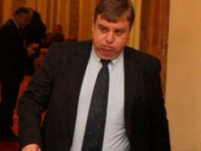 Нагъл Каракачанов попари излъганите от ВМРО пенсионери: Не чакайте държавата да ви вдига доходите!!