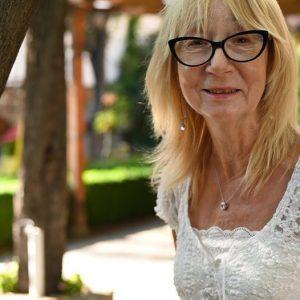Полин О'Нийл – англичанката, която открива уединението и свободата на изразяване в едно сливенско село