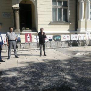 """С изложба """"Остани жив! Пази живота!"""" започнаха Дните за безопасност на пътя в Сливен"""