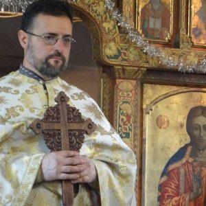 """СКАНДАЛНО: Сливенски свещеник извърши фалшиво """"Венчание"""" над собствената си дъщеря /видео/"""