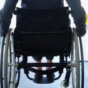 Защо държавата отказа инвалидна рампа в блок с две жени с увреждания в Сливен?