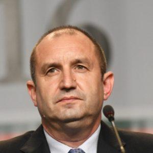 КС допусна дело за имунитета на Румен Радев