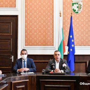 Продължават текущите ремонти по обекти и пътната инфраструктура в община Сливен