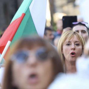 Рут Колева: Маяма Нолова къде се бута пак, тази същата, която предложи Пеевски за шеф на ДАНС?
